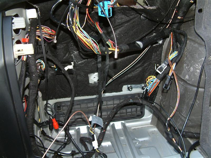6 20 073 bmw navigation sirius & auxiliary audio retrofit bimmernav 2004 bmw x5 trailer wiring harness at mifinder.co